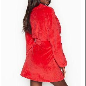 VICTORIA'S SECRET The Cozy Robe Plush Red M/L